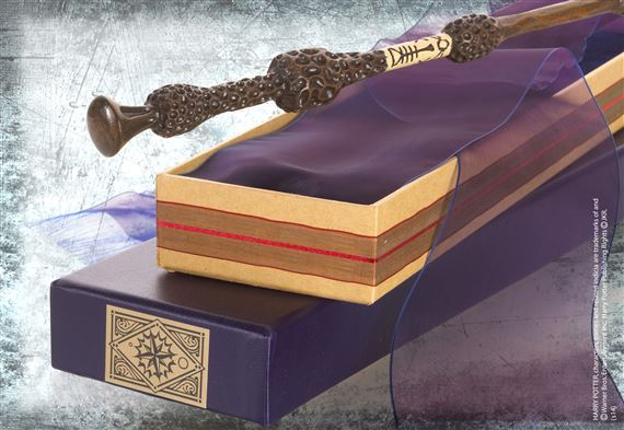 Dumbledore wand at for Dumbledore s wand with ollivanders box