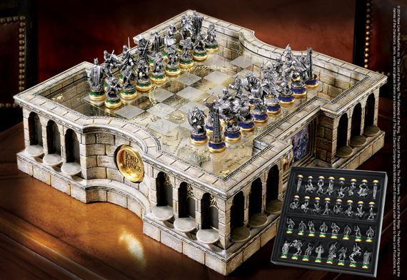 the lord of the rings chess set at