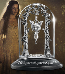 The Evenstar Pendant Display