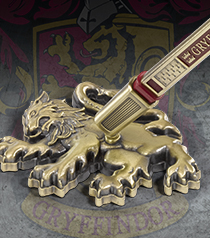 Gryffindor House Pen and Desk Stand