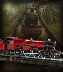 Hogwarts Express Die cast Train Model and Base